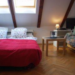 Апартаменты Generous Attic Apartment комната для гостей фото 2