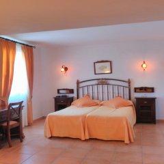 Отель Retreat Finca Son Manera комната для гостей