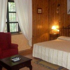 Hotel Rural Soterraña сейф в номере