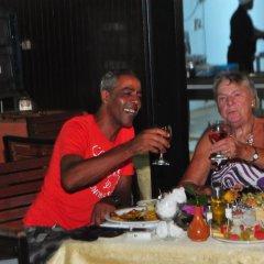 Отель Diar Yassine Тунис, Мидун - отзывы, цены и фото номеров - забронировать отель Diar Yassine онлайн гостиничный бар