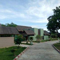 Отель Novotel Inle Lake Myat Min парковка
