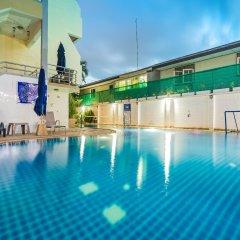 Patong Pearl Hotel бассейн