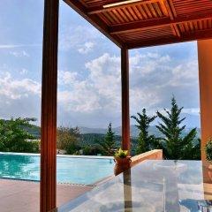 Отель Youktas Villas бассейн