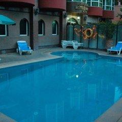 Hotel Akabar бассейн