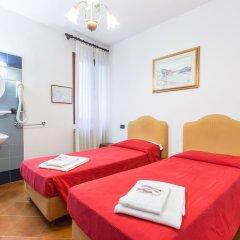 Отель Iris Venice Италия, Венеция - 3 отзыва об отеле, цены и фото номеров - забронировать отель Iris Venice онлайн комната для гостей фото 14