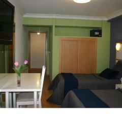 Отель Hostal Mara Испания, Ла-Корунья - отзывы, цены и фото номеров - забронировать отель Hostal Mara онлайн комната для гостей