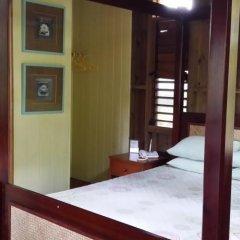 Отель Colo-I-Suva Rainforest Eco Resort Вити-Леву сейф в номере