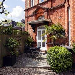 Отель Luxurious Hampstead Home with Gorgeous Garden фото 3