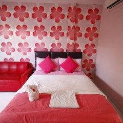 Отель Tawaen Beach Resort сейф в номере