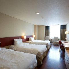 Отель Ramada Hotels & Suites Seoul Namdaemun Южная Корея, Сеул - 1 отзыв об отеле, цены и фото номеров - забронировать отель Ramada Hotels & Suites Seoul Namdaemun онлайн комната для гостей фото 3
