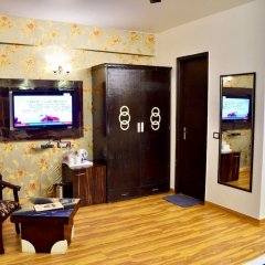 Hotel S. K Crown Park Naraina развлечения