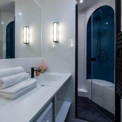 Отель Luxury 2 Bedroom With AC - Louvre & Champs Elysees Париж ванная фото 2