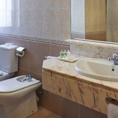 Отель Hesperia Sant Joan Suites ванная