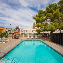 Отель The Downtowner США, Лас-Вегас - 1 отзыв об отеле, цены и фото номеров - забронировать отель The Downtowner онлайн с домашними животными