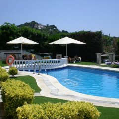 Отель Bonsol Испания, Льорет-де-Мар - 2 отзыва об отеле, цены и фото номеров - забронировать отель Bonsol онлайн бассейн
