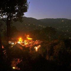 Отель Dhulikhel Mountain Resort Непал, Дхуликхел - отзывы, цены и фото номеров - забронировать отель Dhulikhel Mountain Resort онлайн приотельная территория фото 2