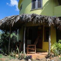 Отель Kudehya Guesthouse Ямайка, Треже-Бич - отзывы, цены и фото номеров - забронировать отель Kudehya Guesthouse онлайн вид на фасад