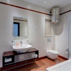 Отель Seaview Apartment In Fort Cambridge, Sliema Мальта, Слима - отзывы, цены и фото номеров - забронировать отель Seaview Apartment In Fort Cambridge, Sliema онлайн ванная