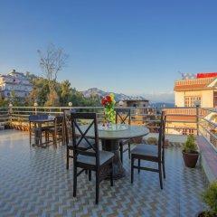 Отель OYO 248 Hotel Galaxy Непал, Катманду - отзывы, цены и фото номеров - забронировать отель OYO 248 Hotel Galaxy онлайн балкон