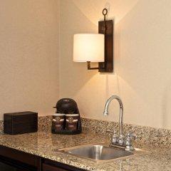 Отель Embassy Suites Flagstaff удобства в номере