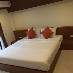 Отель DEE DEE Mansion Airport Таиланд, Такуа-Тунг - отзывы, цены и фото номеров - забронировать отель DEE DEE Mansion Airport онлайн комната для гостей фото 2