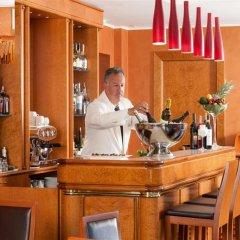 Отель Artemide гостиничный бар