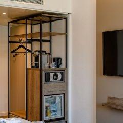 Отель Novotel Zurich City-West сейф в номере