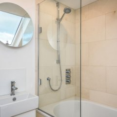 Отель 2 Bedroom Flat Near Hampstead Heath ванная
