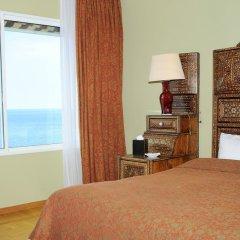 Warwick Palm Beach Hotel сейф в номере