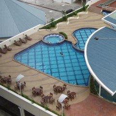 Отель 1 Borneo Tower B Service Condominiums бассейн