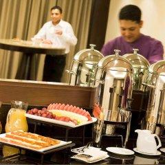 Отель Novotel Dubai Deira City Centre питание фото 5