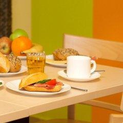 Отель a&o München Laim в номере фото 2