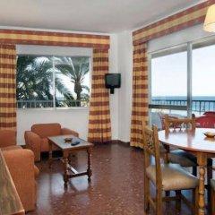 Отель Apartamentos Bajondillo Испания, Торремолинос - отзывы, цены и фото номеров - забронировать отель Apartamentos Bajondillo онлайн комната для гостей фото 3