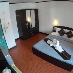 Отель Stanleys Guesthouse сейф в номере