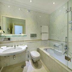 Отель Aldrovandi Villa Borghese Италия, Рим - 2 отзыва об отеле, цены и фото номеров - забронировать отель Aldrovandi Villa Borghese онлайн ванная фото 2