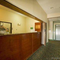 Отель Americas Best Value Inn Three Rivers интерьер отеля