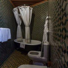 Отель Palais d'Hôtes Suites & Spa Fes Марокко, Фес - отзывы, цены и фото номеров - забронировать отель Palais d'Hôtes Suites & Spa Fes онлайн ванная фото 2