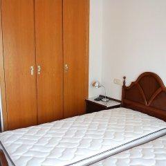 Отель Apartamento 2165 - Mar I Neu 2-6 Испания, Курорт Росес - отзывы, цены и фото номеров - забронировать отель Apartamento 2165 - Mar I Neu 2-6 онлайн комната для гостей