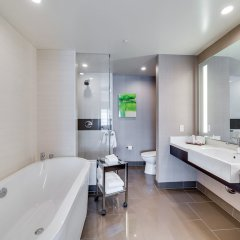 Отель Jet Luxury at the Vdara Condo Hotel США, Лас-Вегас - отзывы, цены и фото номеров - забронировать отель Jet Luxury at the Vdara Condo Hotel онлайн ванная