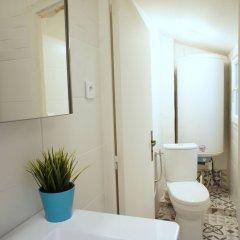 Отель Cœur Vieux Nice - Cours Saleya Франция, Ницца - отзывы, цены и фото номеров - забронировать отель Cœur Vieux Nice - Cours Saleya онлайн ванная