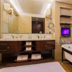 Отель The Ritz-Carlton, Shenzhen Китай, Шэньчжэнь - отзывы, цены и фото номеров - забронировать отель The Ritz-Carlton, Shenzhen онлайн ванная