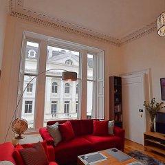 Отель 2 Bedroom Flat in Central Edinburgh Эдинбург комната для гостей