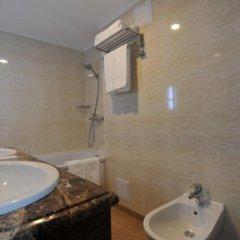 Гостиница Шахтар Плаза Украина, Донецк - 4 отзыва об отеле, цены и фото номеров - забронировать гостиницу Шахтар Плаза онлайн ванная фото 3