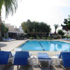 Отель Green Bungalows Hotel Apartments Кипр, Айя-Напа - 6 отзывов об отеле, цены и фото номеров - забронировать отель Green Bungalows Hotel Apartments онлайн бассейн