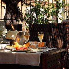 Отель Pensione Accademia - Villa Maravege Италия, Венеция - отзывы, цены и фото номеров - забронировать отель Pensione Accademia - Villa Maravege онлайн питание фото 3