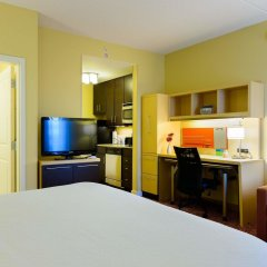 Отель TownePlace Suites by Marriott Frederick в номере