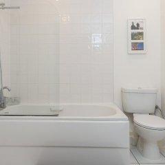 Отель 2 Bedroom Flat in Kensal Rise Великобритания, Лондон - отзывы, цены и фото номеров - забронировать отель 2 Bedroom Flat in Kensal Rise онлайн ванная