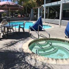 Отель Milpitas Inn бассейн фото 3