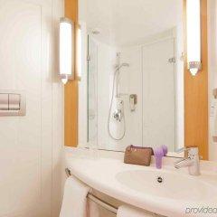 Отель Ibis London Blackfriars Великобритания, Лондон - 1 отзыв об отеле, цены и фото номеров - забронировать отель Ibis London Blackfriars онлайн ванная фото 2