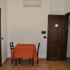 Отель Bed and Breakfast Giardini di Marzo Лечче комната для гостей фото 5